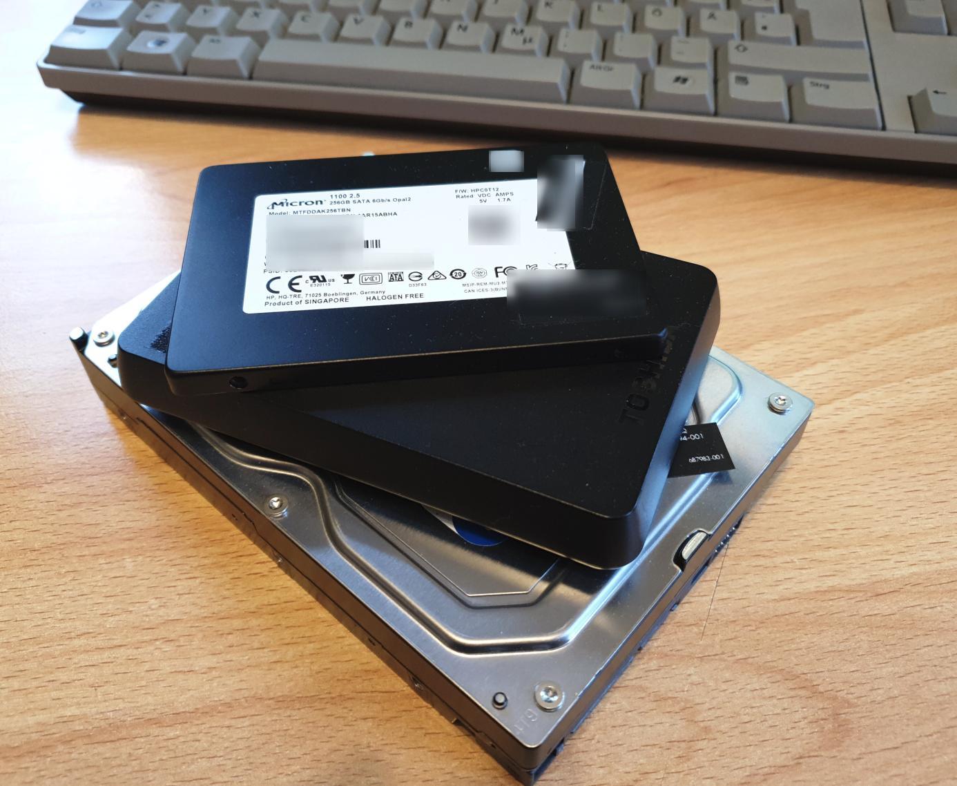 Image: SSD and hard disks